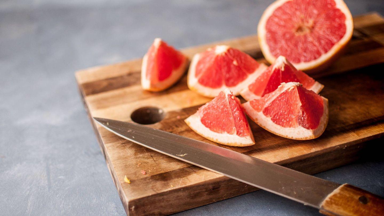 No conviene dejar de tomar fruta. (Anna Wlodarczyk para Unsplash)
