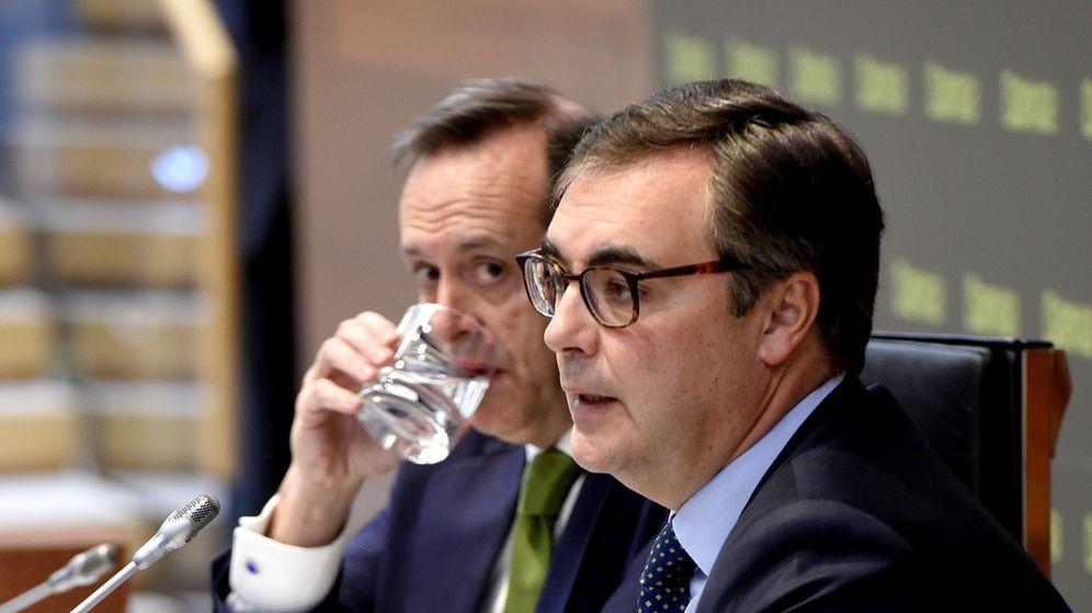 Foto: El CEO Bankia, José Sevilla (d), y el director general adjunto de banca de particulares, Fernando Sobrini (i)