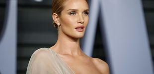 Post de Los tops más sexys de Rosie Huntington son de Zara y tienen sorpresa
