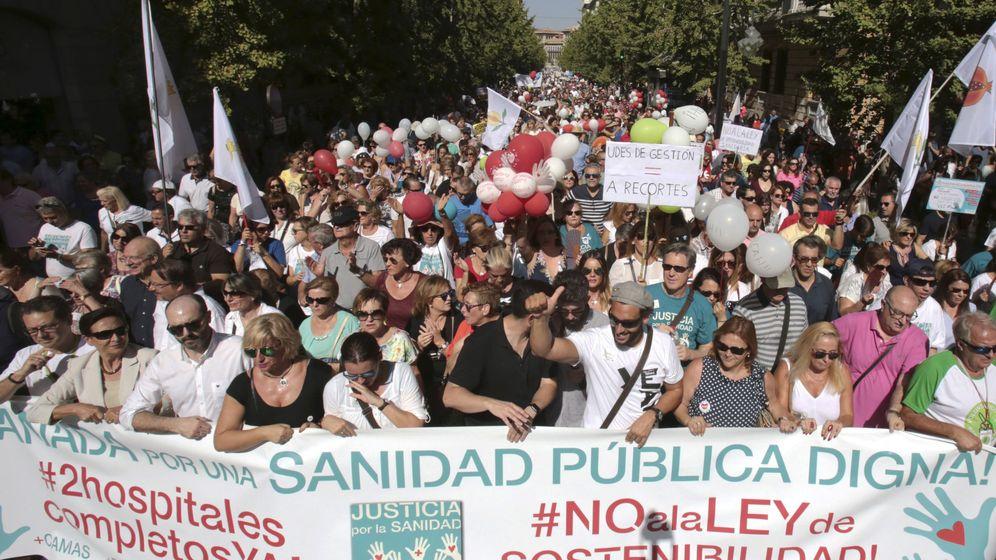 Foto: Manifestación en Granada liderada por Jesús Candel, Spiriman. (EFE)
