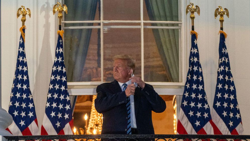 Foto: Trump, a su llegada a la Casa Blanca, después de ser dado de alta en el hospital. (EFE)