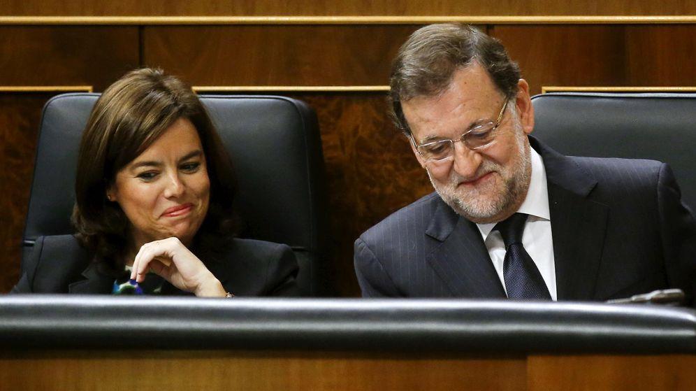 Foto: Soraya Sáenz de Santamaría junto a Mariano Rajoy, presidente del Gobierno. (Reuters)