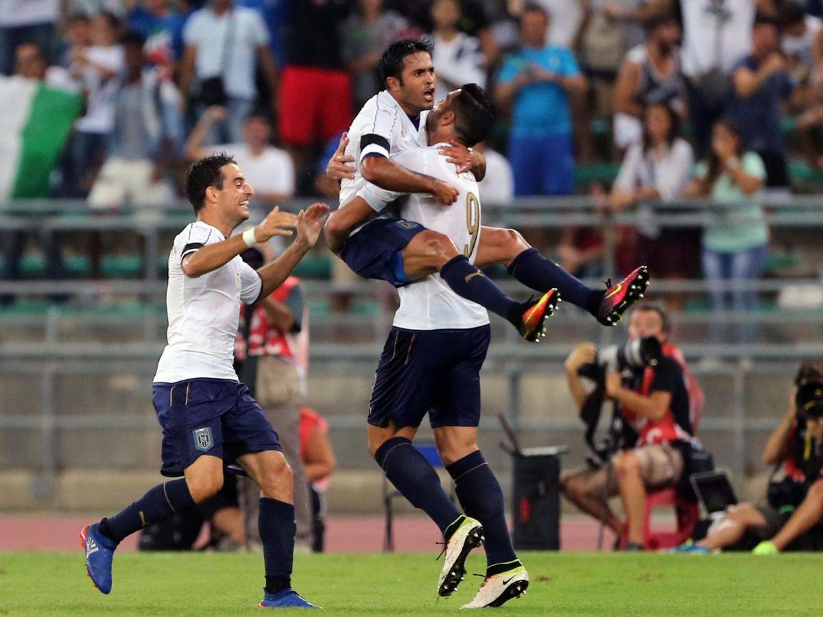 Foto: Éder y Pellè celebran un gol durante la Eurocopa de 2016. (EFE)