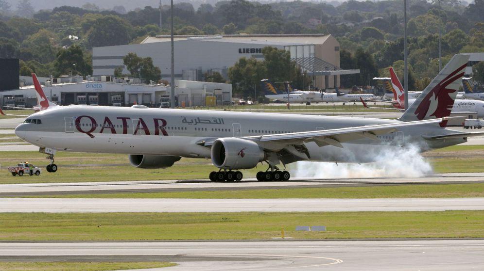 Foto: Un avión de Qatar Airways. (EFE)