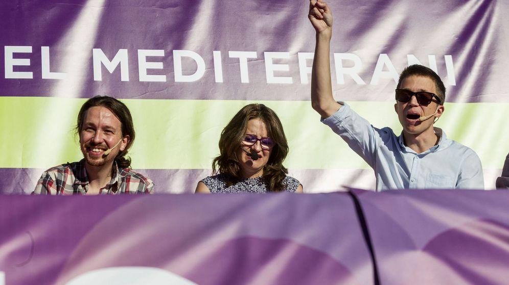 Foto: Pablo Iglesias, Mónica Oltra e Íñigo Errejón, cuando todos se llevaban bien. (EFE)