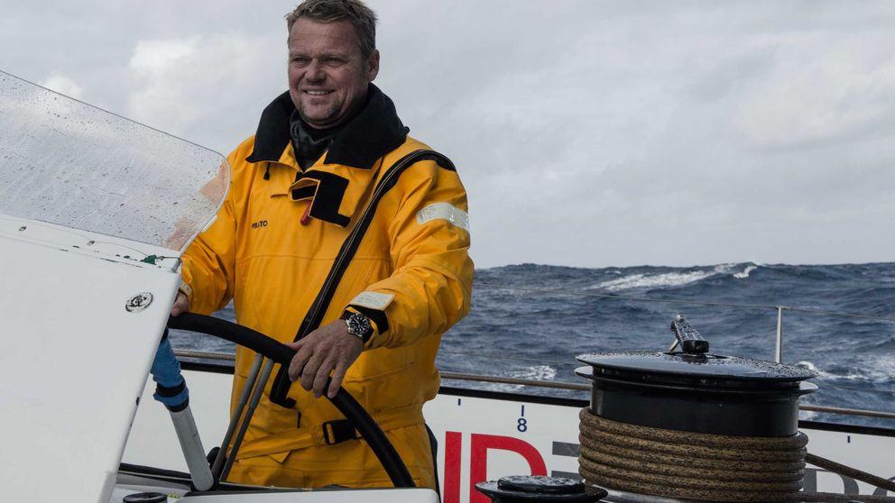 Alex Pella bate el récord del mundo de vuelta al mundo a vela