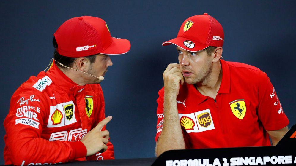 Foto: Vettel y Leclerc lograron un doblete inesperado en Singapur, pero también polémico por la estrategia de Ferrari con sus pilotos (REUTERS)