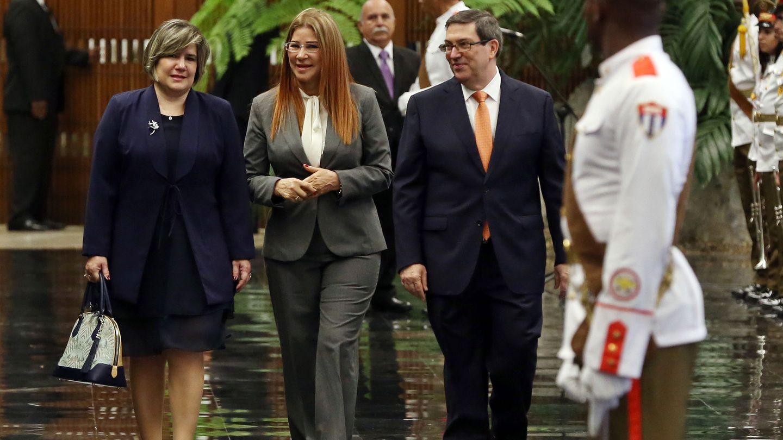 Lis Cuesta, en mayo de 2018, junto a la primera dama de Venezuela, Cilia Flores, en un acto en el que por primera vez un medio cubano califica a Cuesta como 'primera dama'. (EFE)