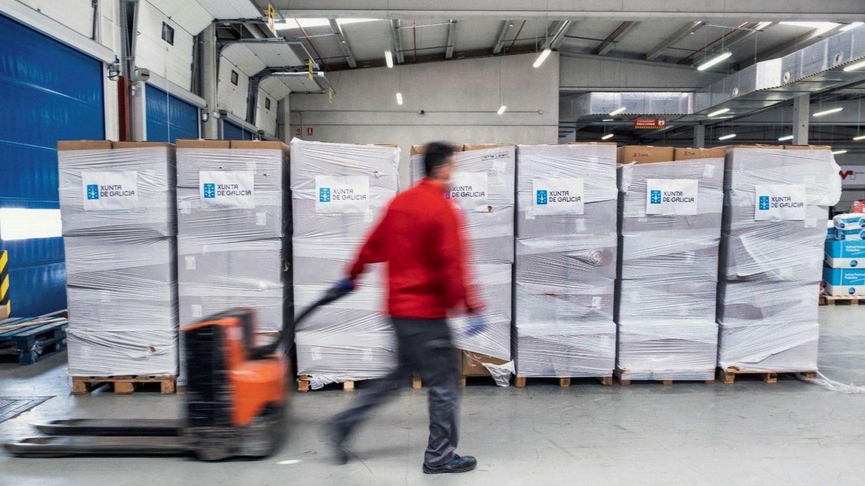 Mascarillas adquiridas por la Xunta de Galicia llegadas gracias a la logística facilitada por Inditex. (EFE)