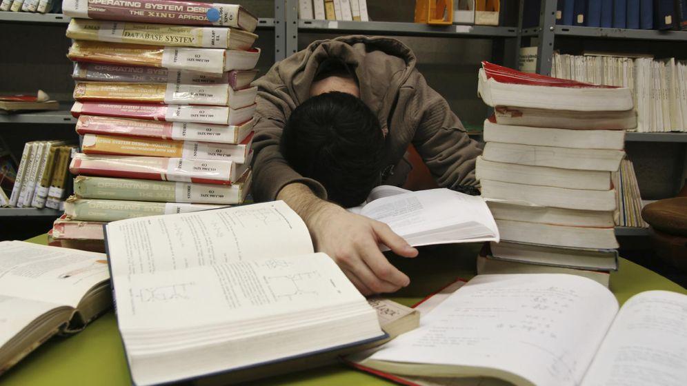 Foto: Hoy en día es virtualmente imposible conocer en profundidad toda la bibliografía sobre un tema concreto. (iStock)