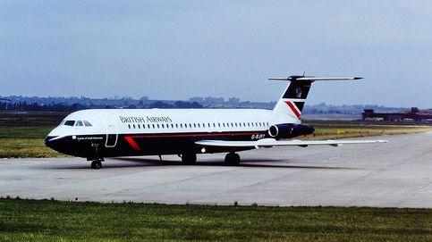 Aterrizar un avión con un hombre saliendo de la ventana: la increíble historia del vuelo 5390