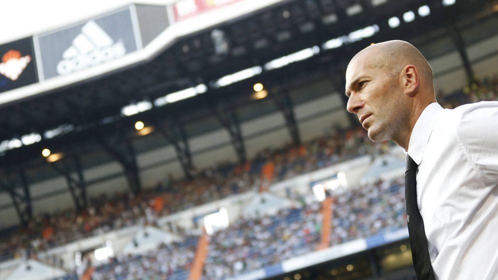 Foto: Zidane durante un partido del Real Madrid en el Santiago Bernabéu (Imago).