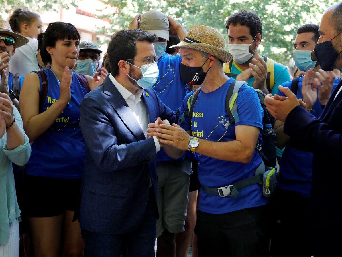 Foto: El 'exconseller' indultado, Jordi Turull, y el 'president', Pere Aragonès. (EFE)