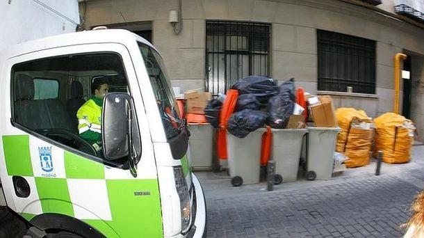 Foto: Camión de recogida de basura en Madrid. (EFE)
