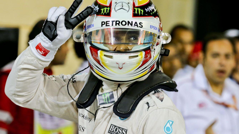 Foto: Lewis Hamilton celebrando la 'pole' (Efe)