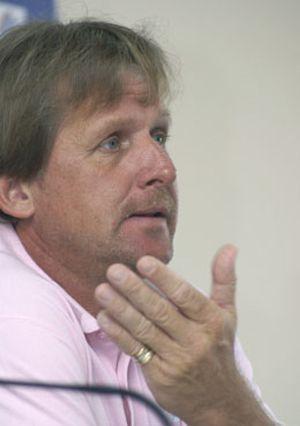 Schuster reafirma su interés por el banquillo blanco