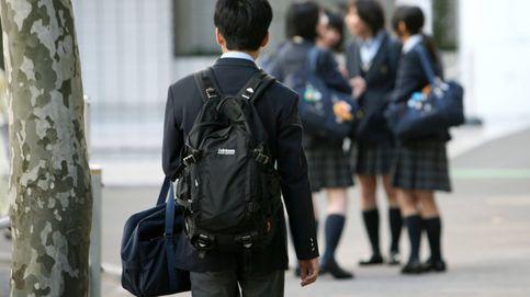 Una de cada tres niñas inglesas ha sido acosada sexualmente por llevar uniforme