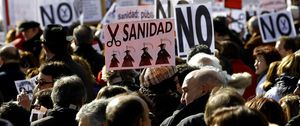 Foto: Una nueva marea blanca marcha por Madrid en defensa de la sanidad pública