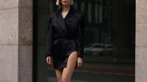 Talle alto, corte recto y abertura, así es la minifalda que triunfa entre las insiders