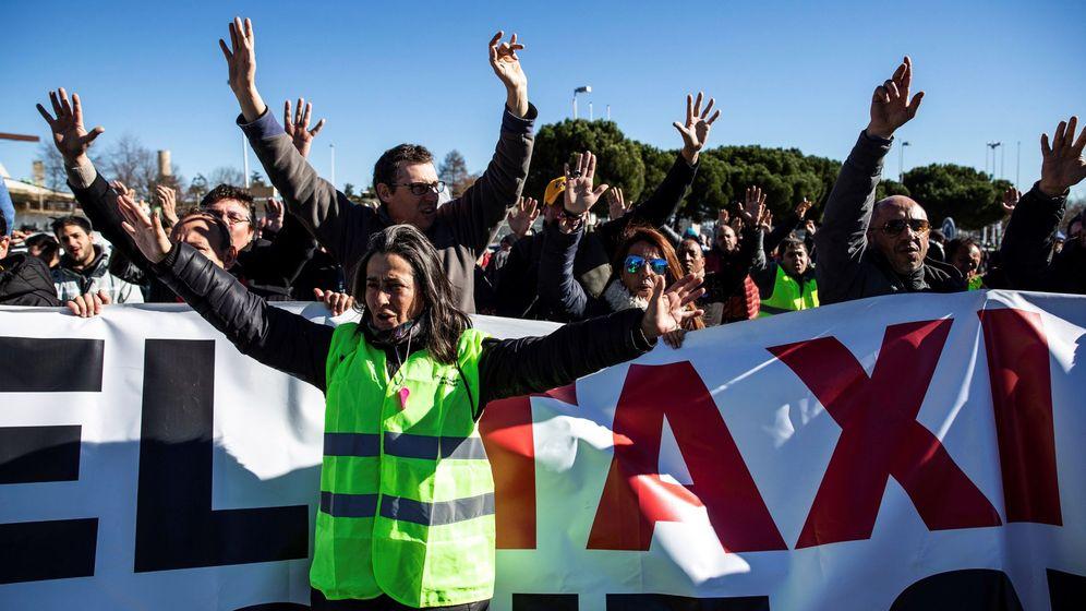 Foto: Protesta de taxistas. (EFE)