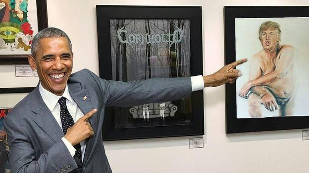 Foto: Foto manipulada de Obama señalando a un cuadro con un desnudo de Donald Trump.