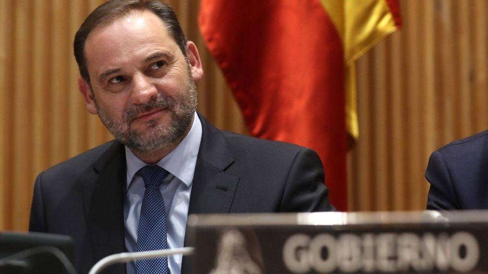 Foto: José Luis Ábalos se rodeará de personalidades del ámbito político, económico, social y deportivo de nuestro país. (EFE)