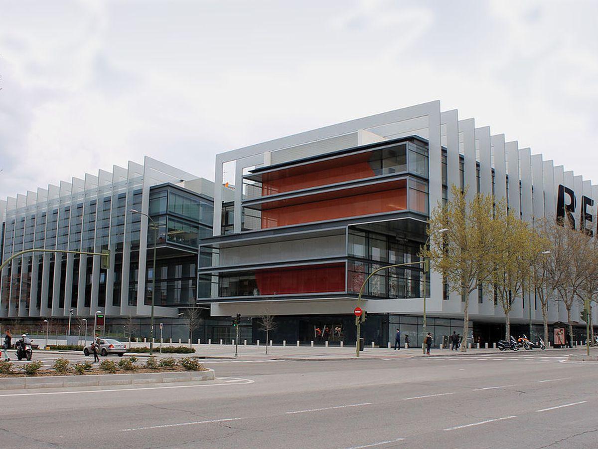 Foto: Sede de Repsol en Madrid. (Luis García. Wikipedia)