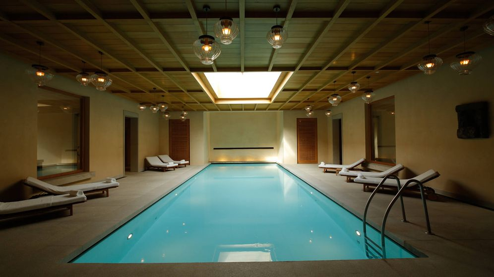 Foto: Así es la piscina del spa Santuario del hotel Abadía Retuerta Le Domaine. (Cortesía)