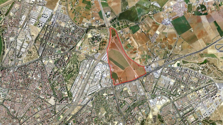 Foto: En rojo, perímetro de la bolsa de suelo de Buen Aire. (Ayuntamiento de Sevilla)