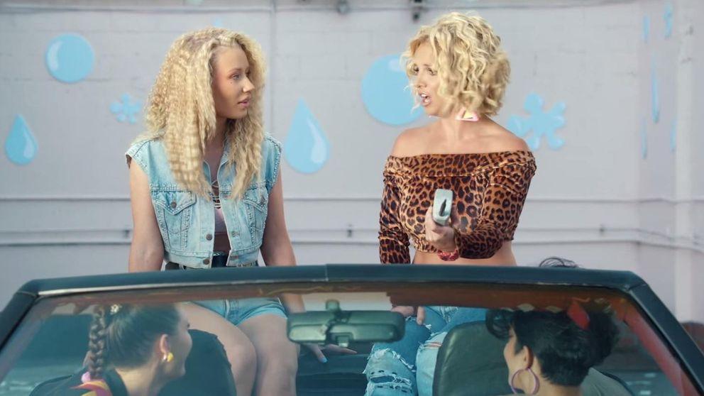 YouTube - Britney Spears e Iggy Azalea, dos 'Pretty Girls' en su nuevo videoclip