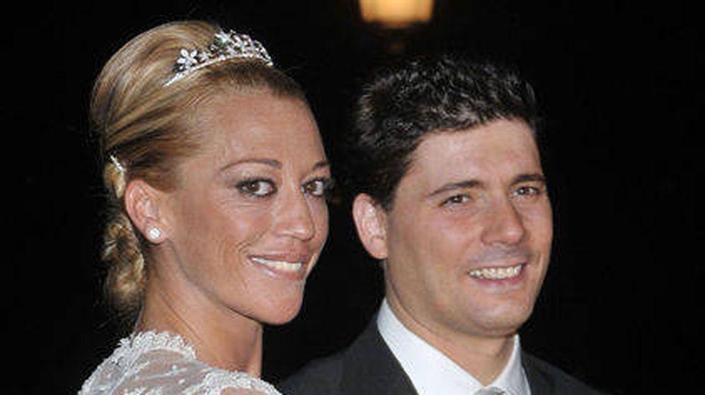 Foto: Belén Esteban vestida de novia en 2008 con Fran Álvarez