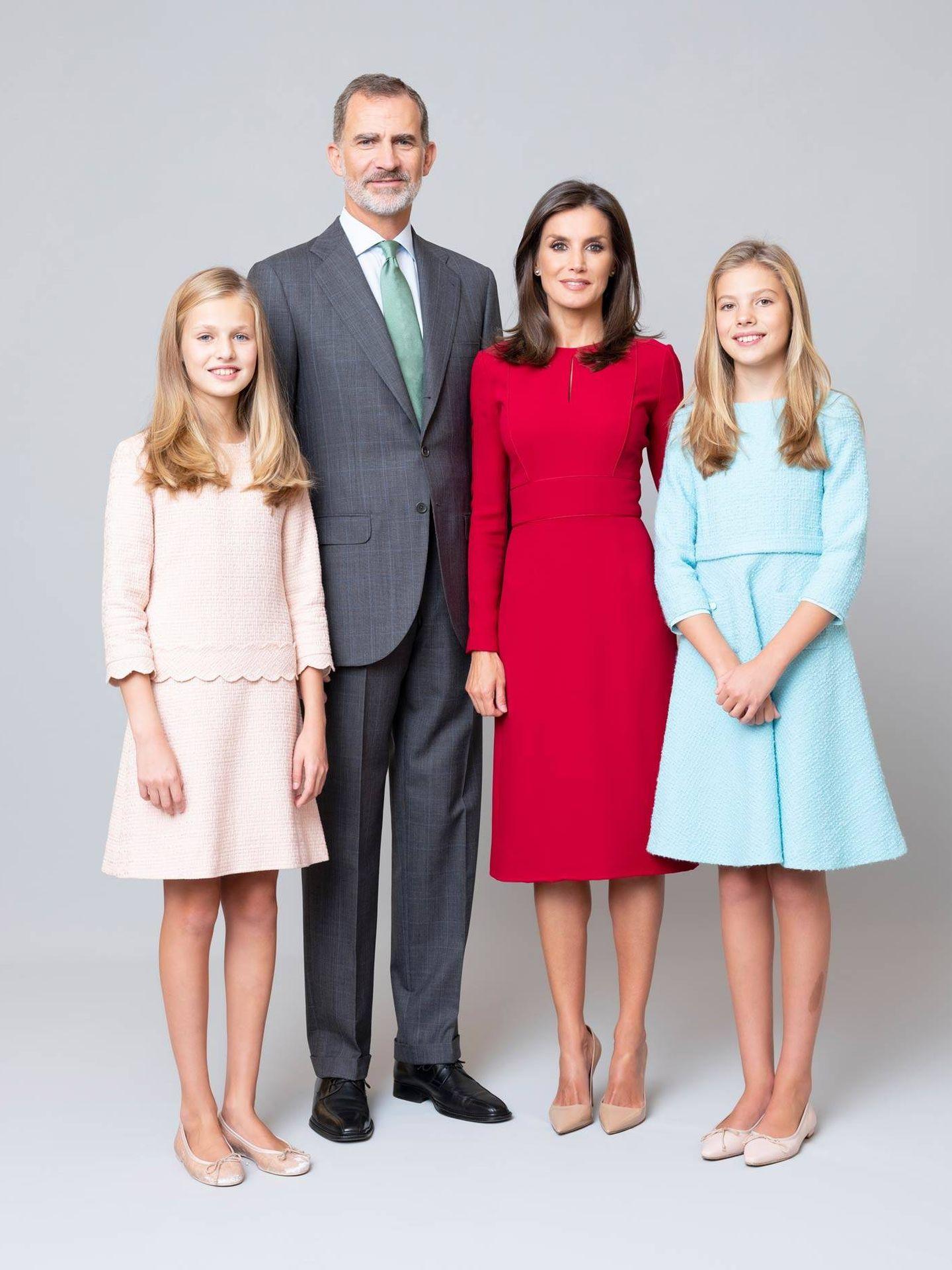 Los Reyes con sus hijas. (Casa Real)