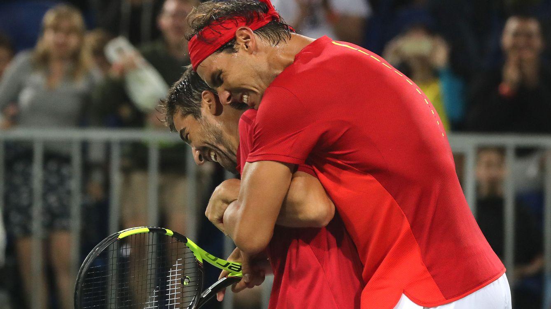 La pareja Rafa Nadal y Marc López ya está a un paso de las medallas en dobles