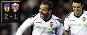 Soldado mantuvo al Valencia y frustró el debut de Oltra en el Almería
