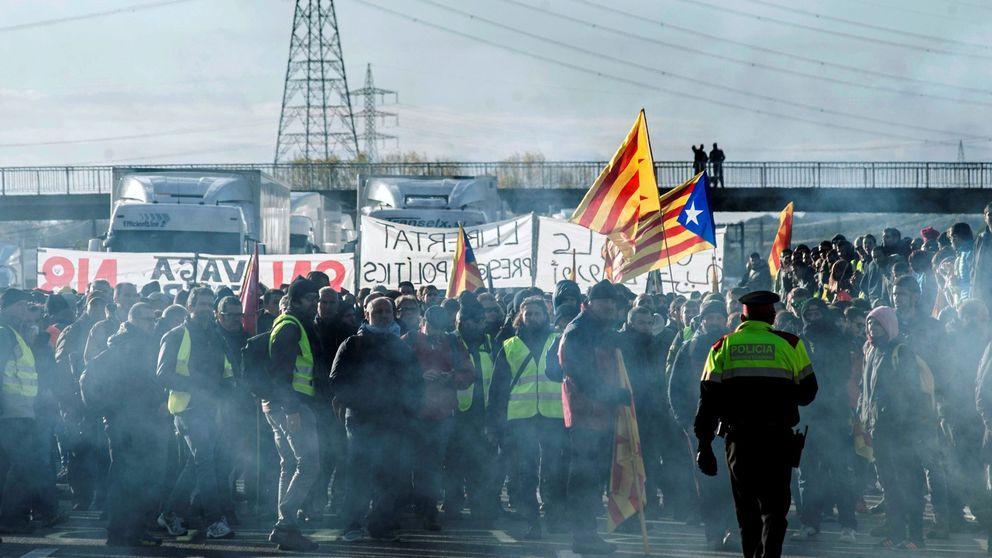 La huelga general se queda en un atasco y un piquete que bloquea el AVE en Girona
