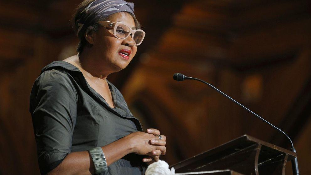 Una mujer no blanca y activista ganará el Nobel de Literatura (¿o tal vez Marías?)