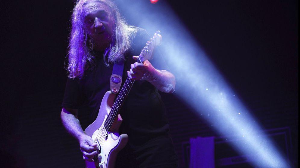 Foto: Rosendo en concierto.