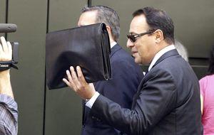 Yáñez, apoderado de Bárcenas, se queja a Ruz por no investigar al PP