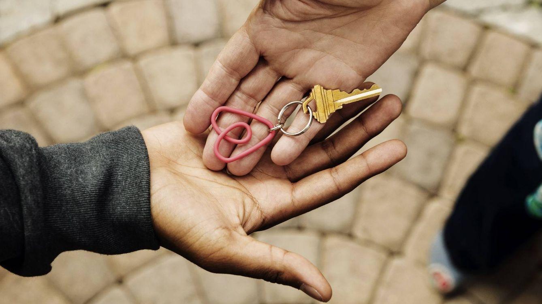 ¿Alquilas tu piso o habitación en Airbnb? Cómo usar la tecnología para evitar sustos