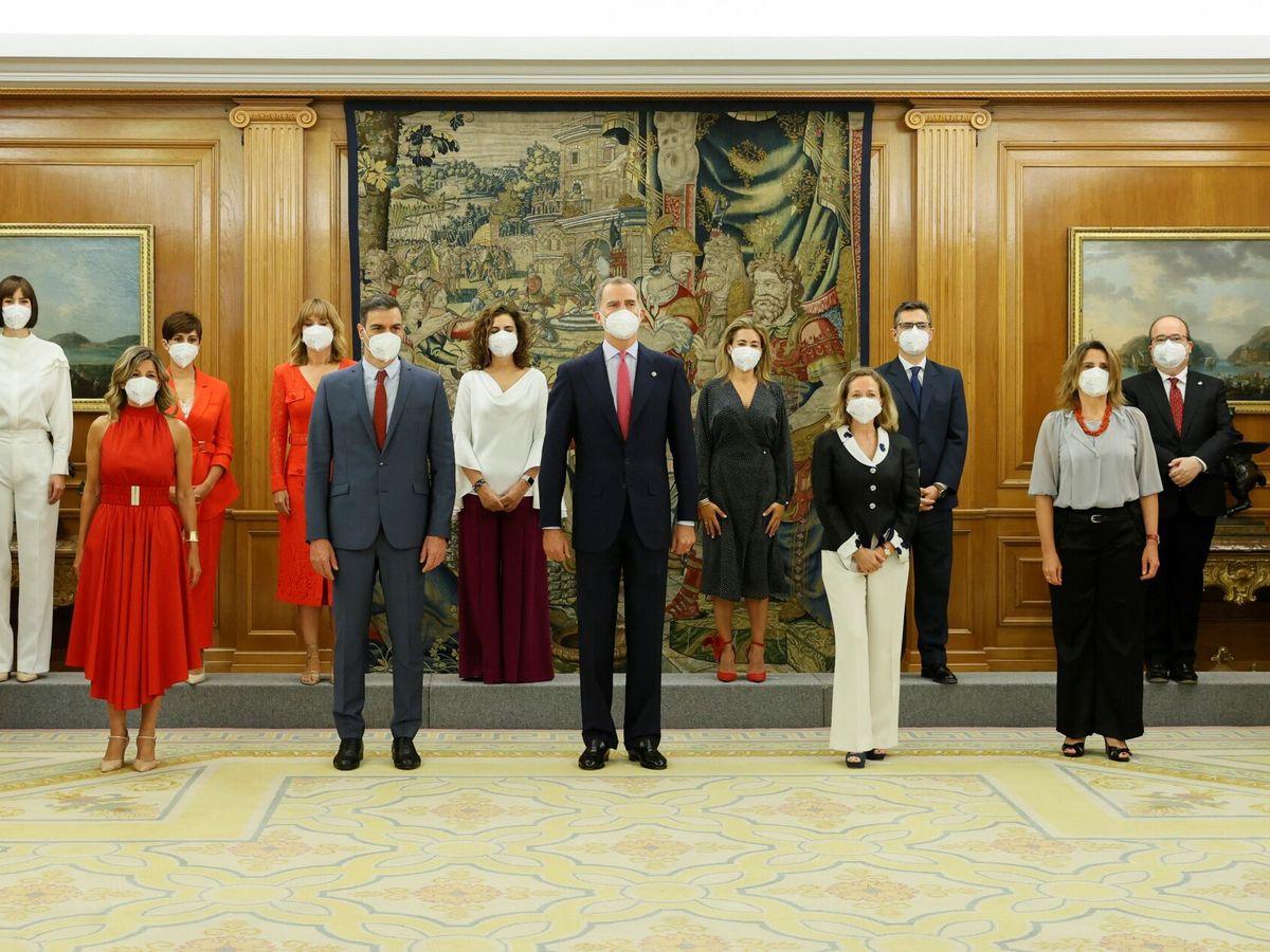 Foto: El rey Felipe, en la toma de posesión de los nuevos ministros del Gobierno. (EFE)