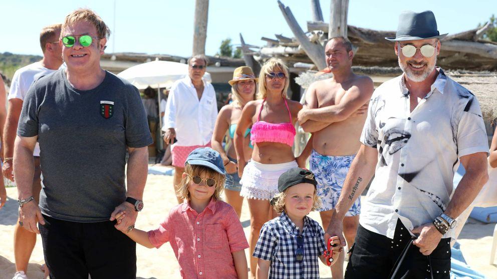 La jornada familiar de Elton John  en Saint Tropez