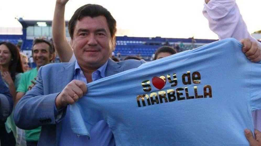 Foto: Alexander Grinberg, con una camiseta de 'Soy de Marbella'. (Vanitatis)