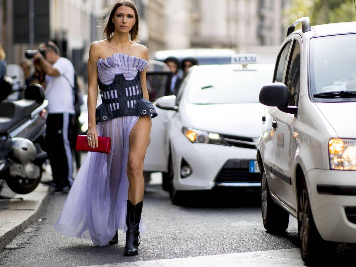 Foto: Pasean y vean: he aquí el vestido de Zara que está arrasando en su tienda online (Imaxtree)