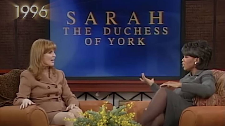Sarah Ferguson, junto a Oprah en 1996. (CBS)