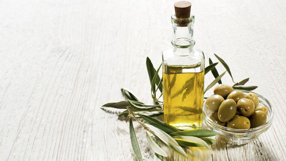 Foto: España produce una de cada dos botellas de aceite de oliva que se consumen en el mundo. (iStock)