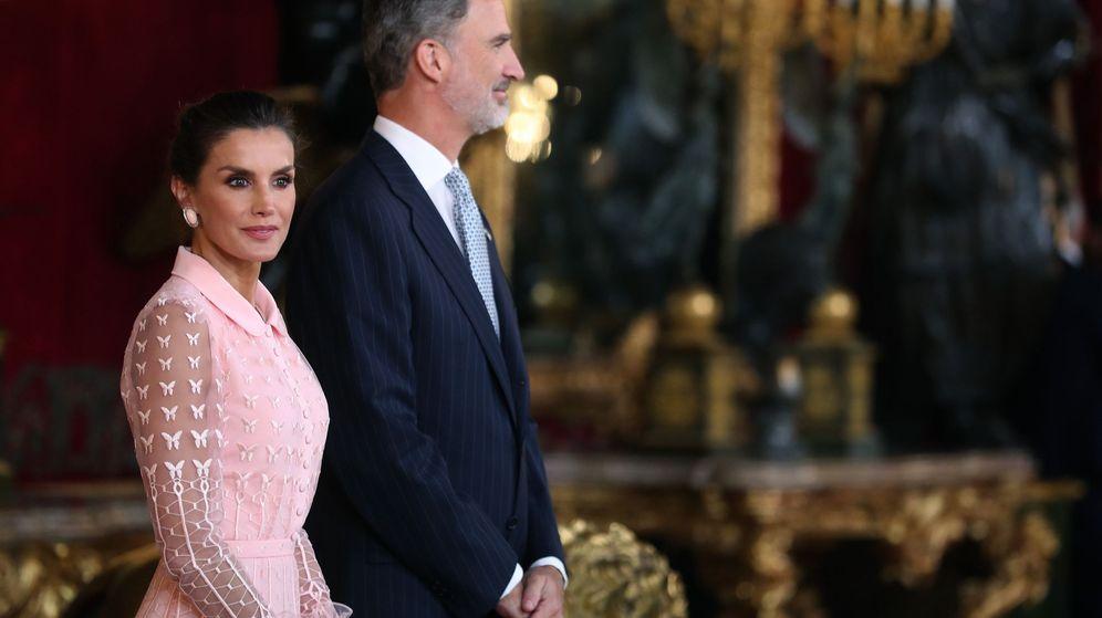 Foto: Los reyes Felipe y Letizia en el Palacio Real. (EFE)