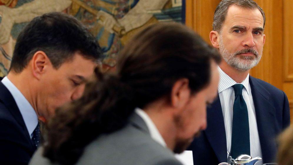 Foto: El rey preside un consejo de ministros en el palacio de la Zarzuela, el pasado mes de febrero. (EFE)