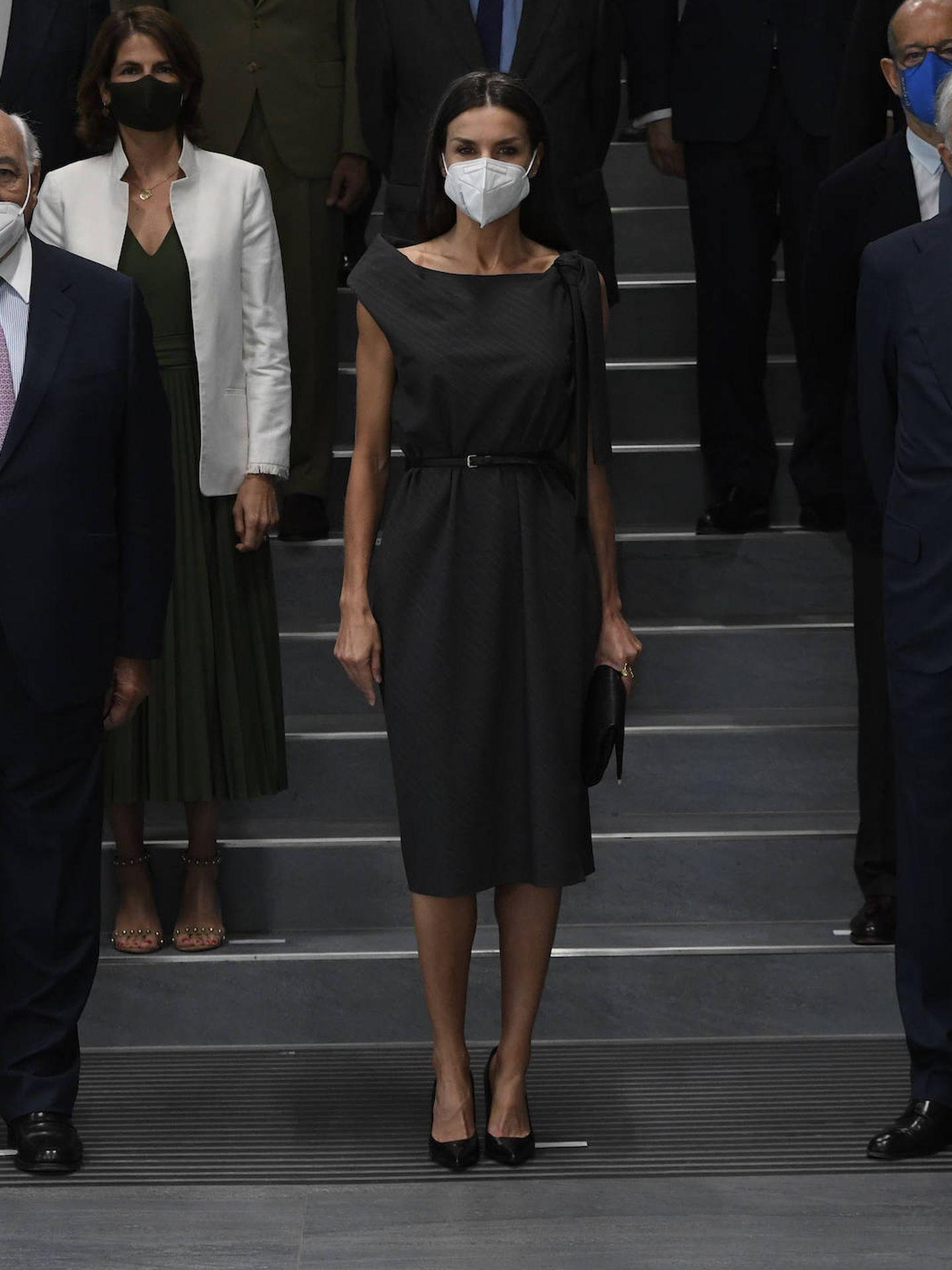La Reina, con el vestido. (LP)