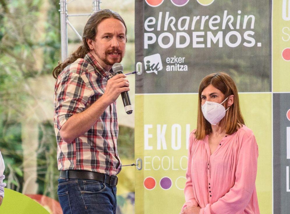 Foto: Pablo Iglesias en un acto de campaña con Miren Gorrotxategi. (EFE)
