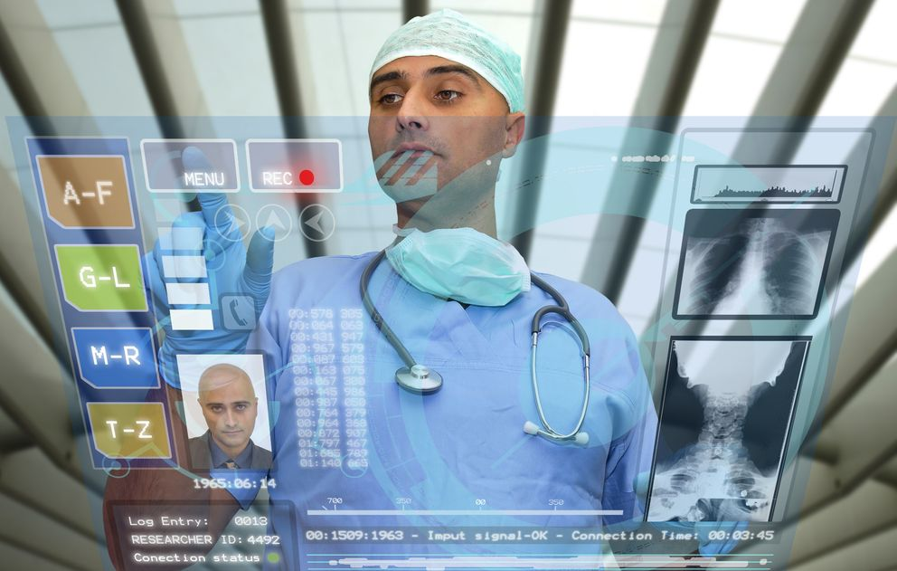 Foto: Una empresa navarra propone recetar 'apps' a los pacientes
